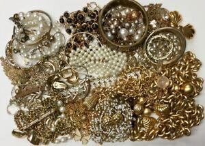 GOLD-SILVER-TONE-IVORY-BLACK-WEARABLE-JEWELRY-NECKLACE-BRACELET-BROOCH-EARRINGS