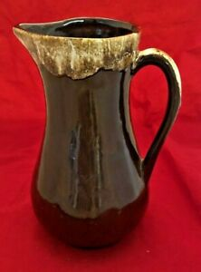 Vintage-Roseville-USA-Pottery-Brown-Drip-9-1-2-Inch-Tall-Pitcher