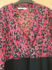 Red and black dress Size 14 Mandarin collar/V neck Rear split. Lined Long sleeve