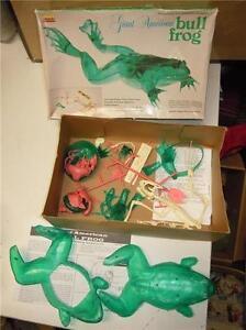 Vintage-Lindberg-Giant-American-Transparent-Green-Bull-Frog-Model-Kit-Sciece-VGC