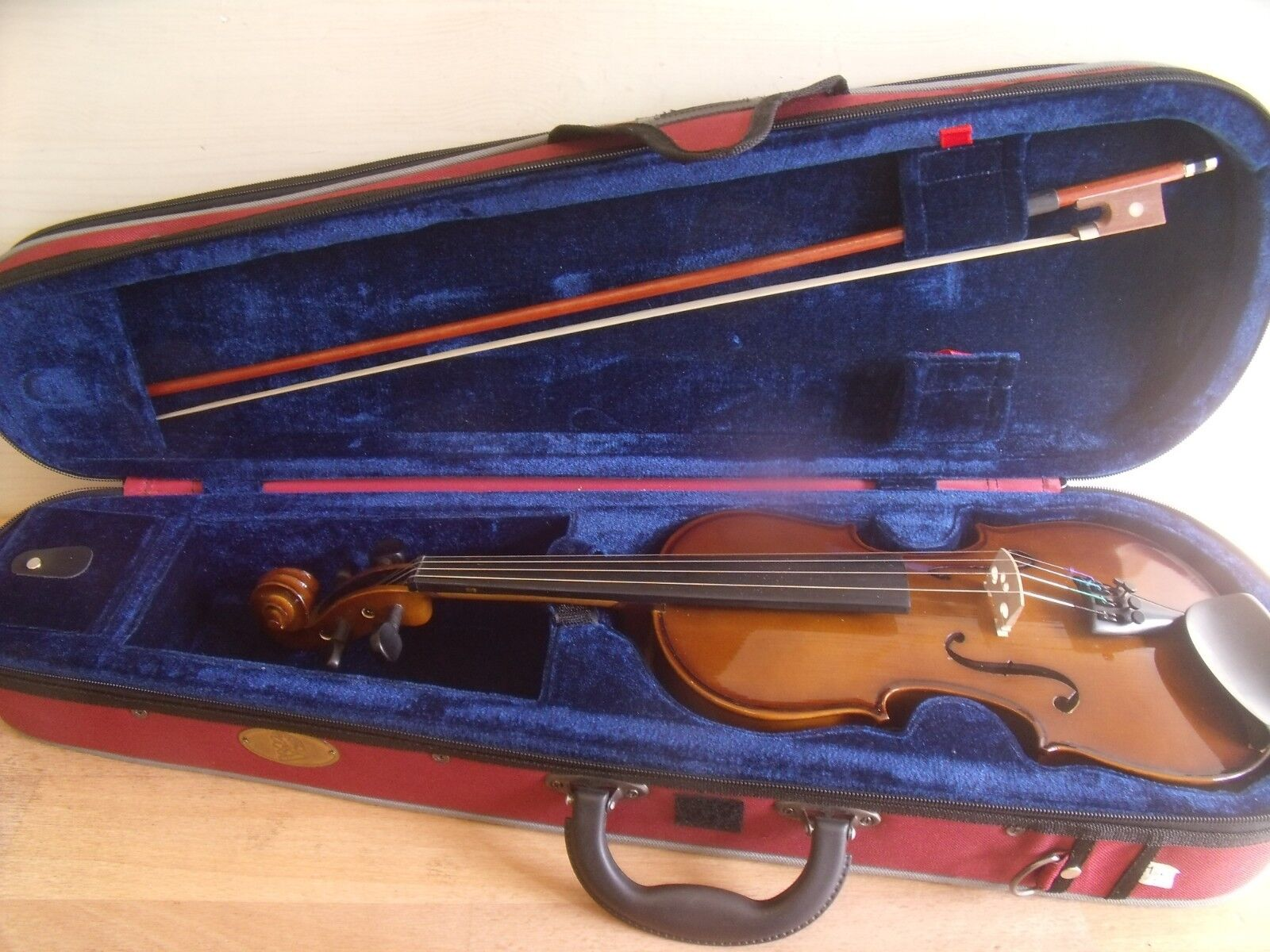 1 2 SIZE VIOLIN BY HANS JOSEPH HAUER WITH BOW & STENTOR CASE IN SUPERB CONDITION