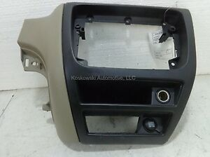 Ford-Taurus-Center-Dash-Panel-Assembly-2002-Tan-Parchment-01-2F1Z5404338AAA
