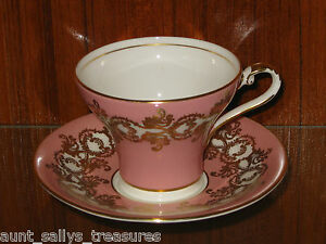 GORGEOUS Aynsley Porcelain PINK AND GOLD Teacup w/Saucer Set Corset Shape