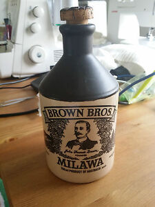 BROWN-BROTHERS-MILAWA-WINE-CERAMIC-BOTTLE-VINTAGE