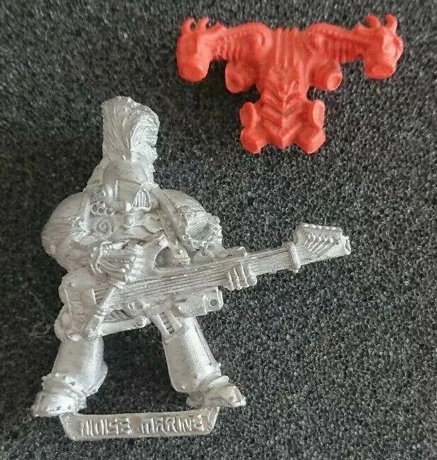 Citadel Warhammer 40k Rogue Trader caos ruido Marine