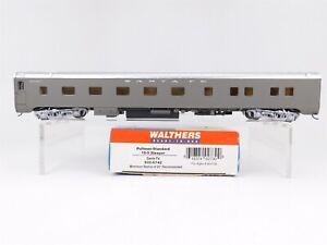 HO-Walthers-932-6742-ATSF-Santa-Fe-10-5-Sleeper-Pullman-Passenger-Car-w-Int