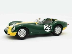 Jaguar-Lister-29-S-Moss-winner-Silverstone-1958-1-18-Matrix-limited-Edition