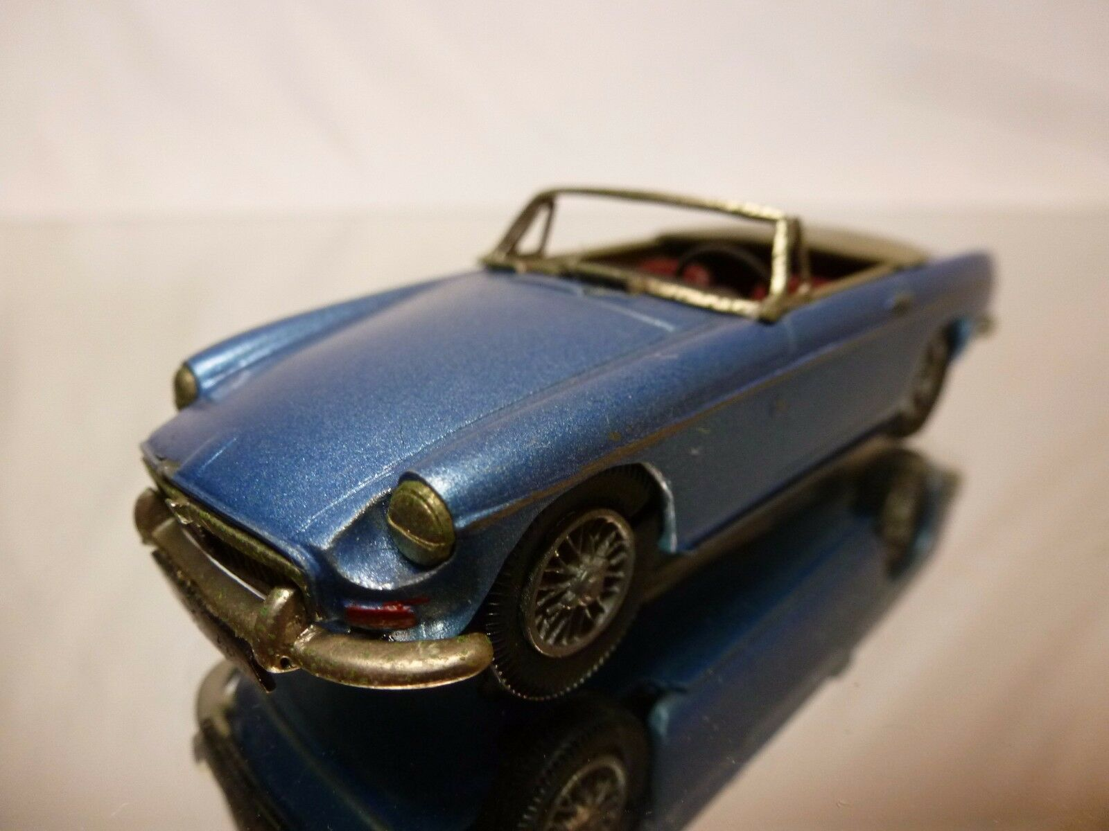 ACE voiture KITS METAL KIT (built) MG B  MGB - METALLIC bleu 1 43 - GOOD CONDITION  prix de gros