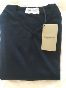 John-Smedley-Large-Merino-Wool-Orion-Green-v-neck-pullover-Made-In-England