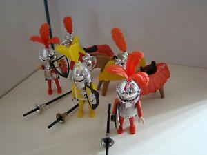 PLAYMOBIL VINTAGE :  3 CHEVALIERS AVEC  3 CHEVAUX CAPARACONNES / 3 RIDDERS