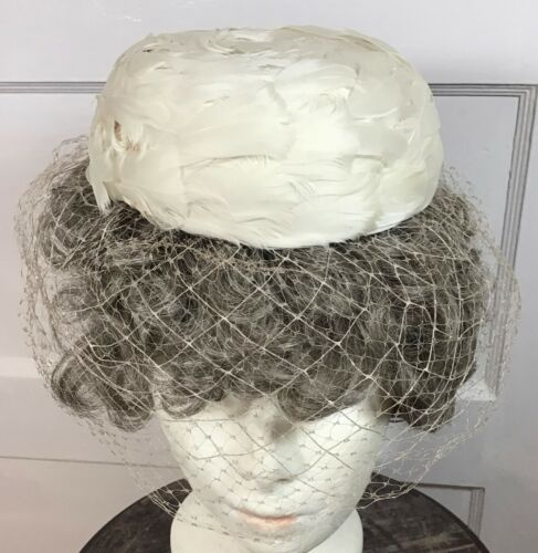 JAY THORPE, N.Y., VINTAGE PILLBOX HAT WITH WHITE F