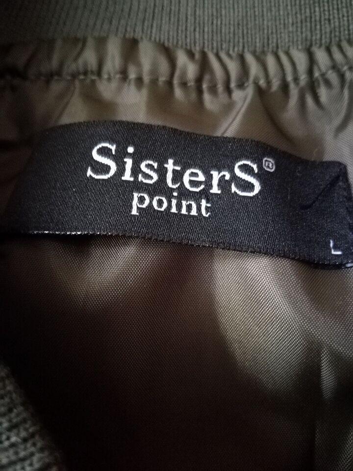 Vest, Sisters Point, str. L