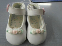 Baby Sprockets Infants Girls Size 2 White Soft Sole Crib Shoes
