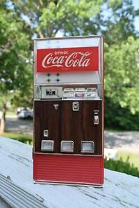 Vintage Collectible Coca Cola Advertising Musical Bank 1996 Vending Machine