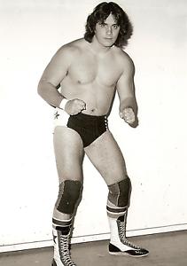 Bret-Hart-Retro-Photo-8x6-Stampede-Wrestling-WCW-Hologram-amp-numbered-photograph