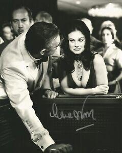Lana-Bois-As-Beaucoup-de-James-Bond-Main-Photo-Dedicacee-avec-Uacc-a-Vie-COA
