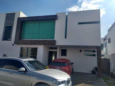 Casa en renta AMUEBLADA Solares Residencial. Zapopan, Jalisco