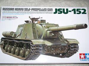 Tamiya 35303 1//35 Scale Model Kit WWII Russian Heavy Self-Propelled Gun JSU-152
