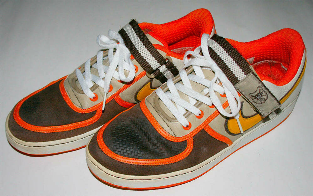 NIKE shoes Sneakers Vintage Size 11 Beige orange Brown Rare Men's