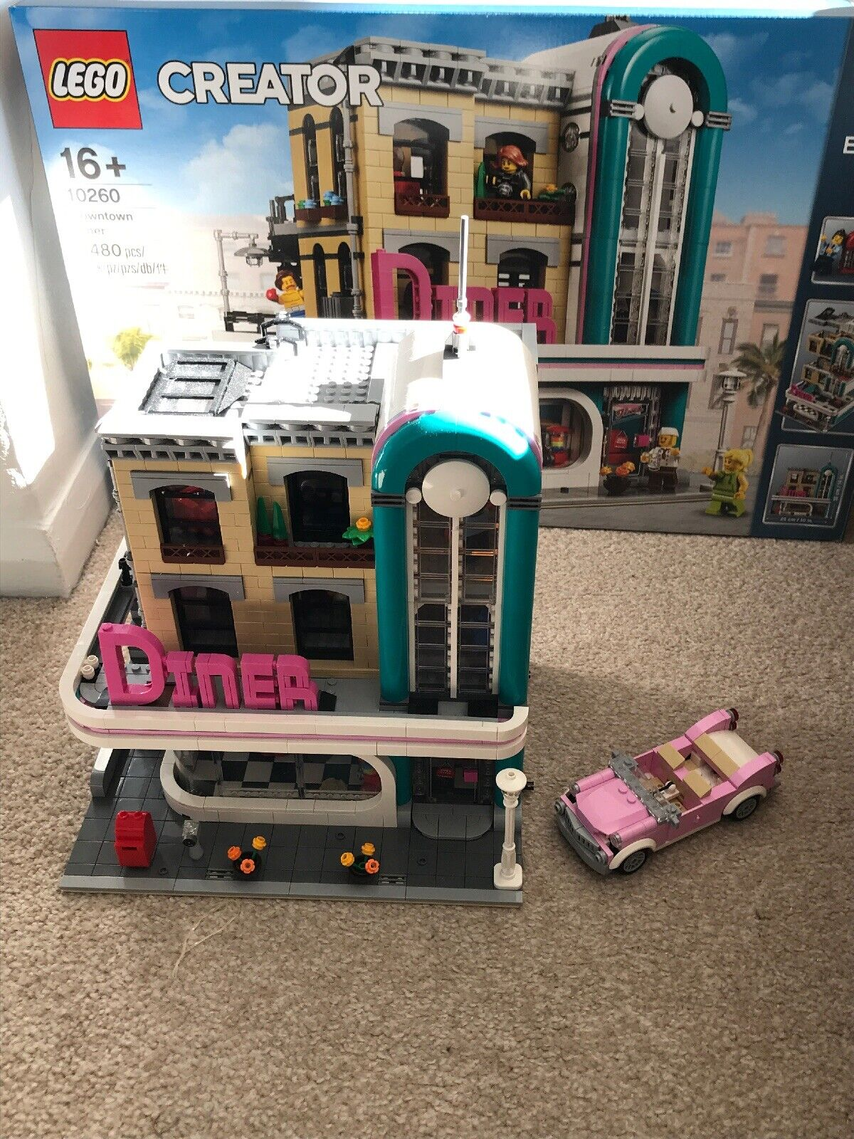 Lego 10260 Creator Downtown Diner with box