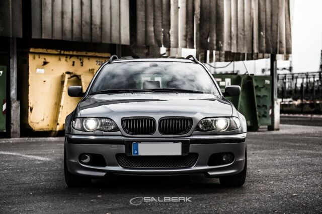 Schwarz glänzende Nieren 3er BMW E46 Touring FL Grill E92 Look Salberk 46021