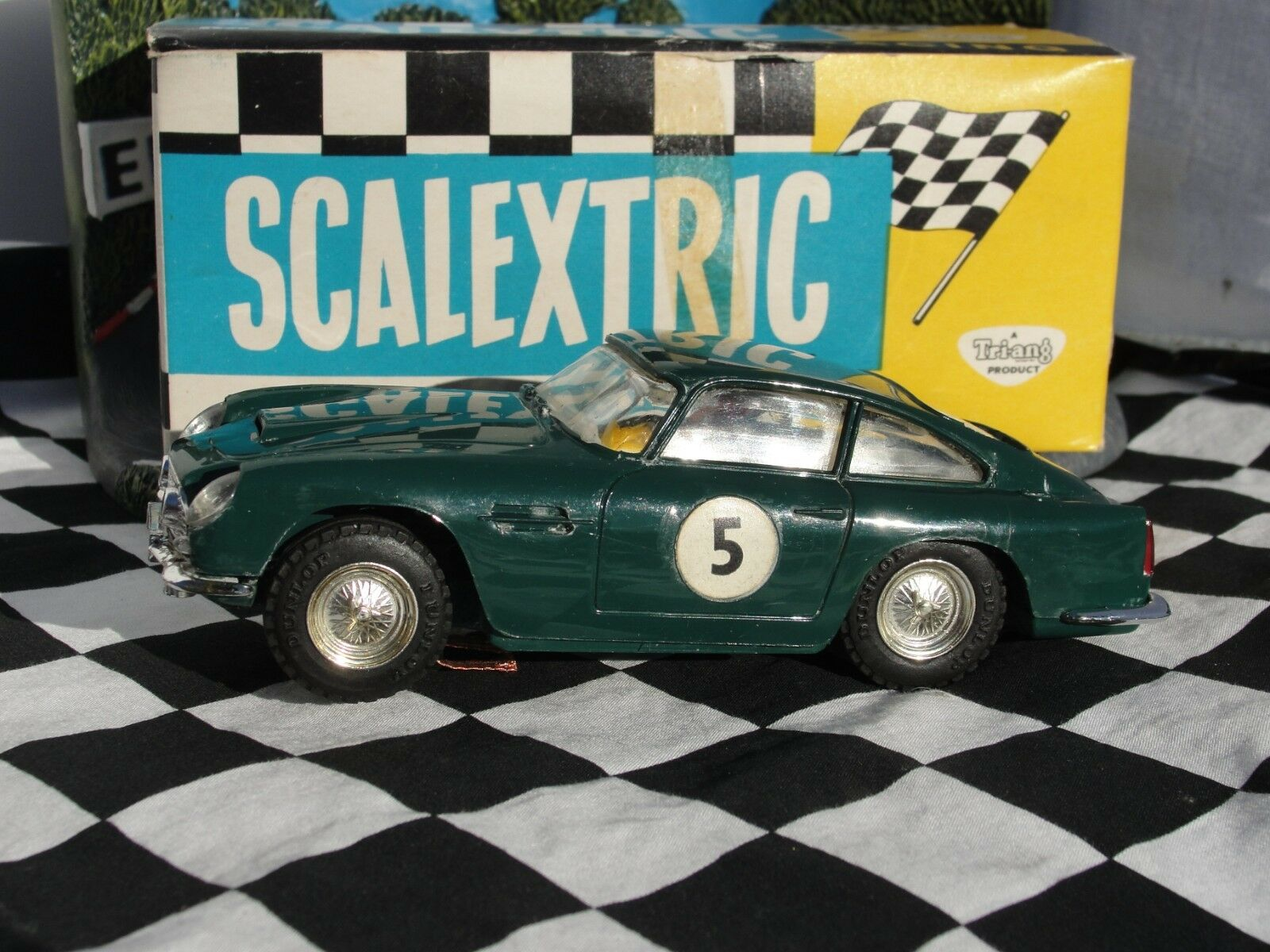 SCALEXTRIC 1960'S ASTON MARTIN DB4 GT  GREEN  C68  1 32 SLOT  USED BOXED