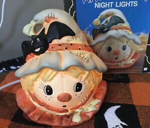 Vintage-SUPER-CUTE-Halloween-SCARECROW-NIGHT-LIGHT-Ceramic-Scarecrow-With-BOX