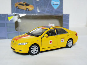 Welly-42391-1-40-Toyota-Camry-Taxi-Diecast-Metal-Model-Car