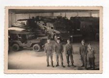 PHOTO ANCIENNE Transport Militaire Soldat Camion Jeep Guerre Vers 1940 Hangar