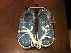 a7b680fd9d91 Girls Blue  white dots SNEAKER sport casual lace up size 7 shoe baby ...