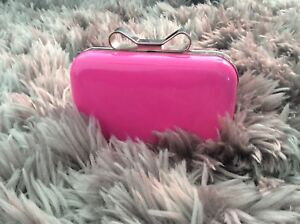 fd4ef94f4972 Beth Jordan pink patent leather hard shell clutch bag with silver ...