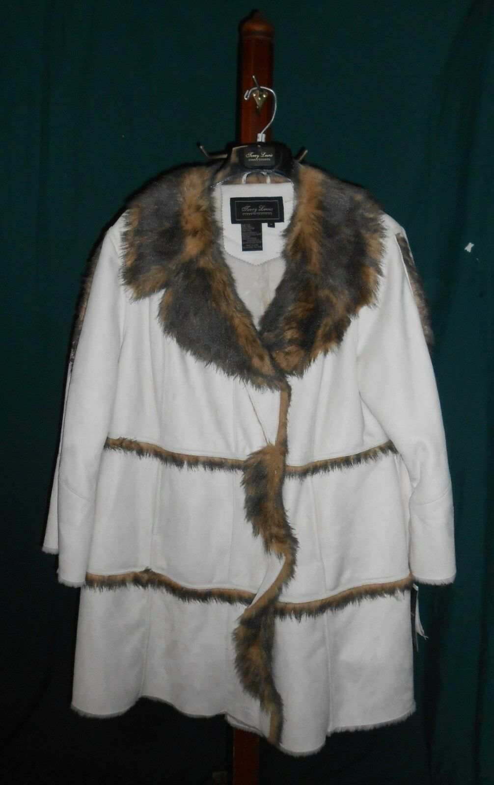 TERRY LEWIS CLASSIC LUXURIES  IVORY FAUX SUEDE COAT W FAUX FUR TRIM  1X, NEW