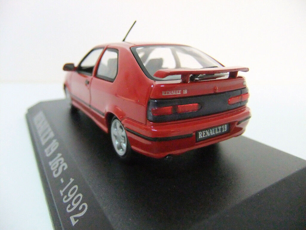 RENAULT 19 16S 1992 SPORT SPORT SPORT UNIVERSAL HOBBIES 1 43 red R19 RED red red 230321