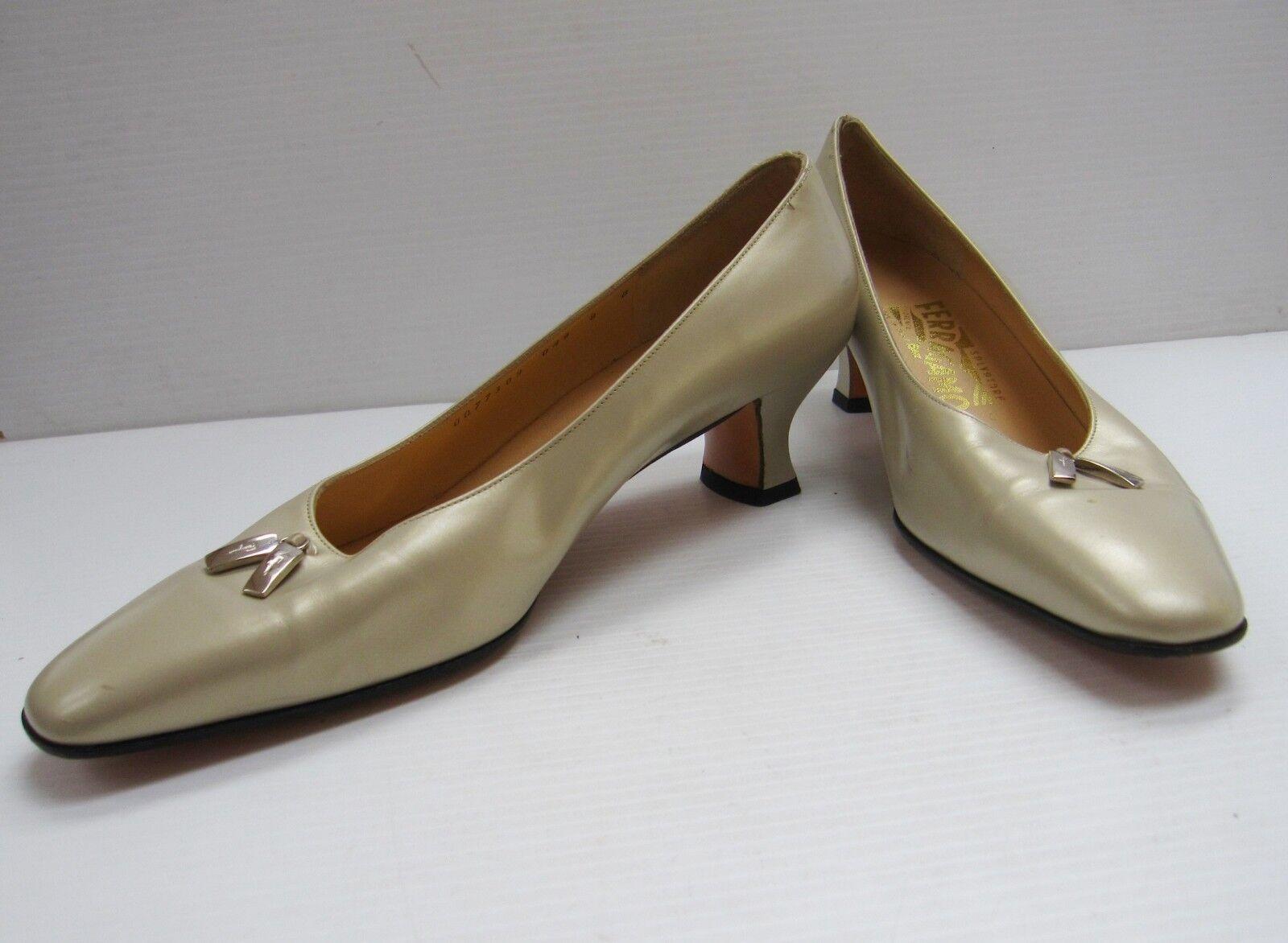 Zapatos De Cuero Salvatore Ferragamo de Florencia Hecho Hecho Hecho en Italia Talla B Crema Gatito  exclusivo