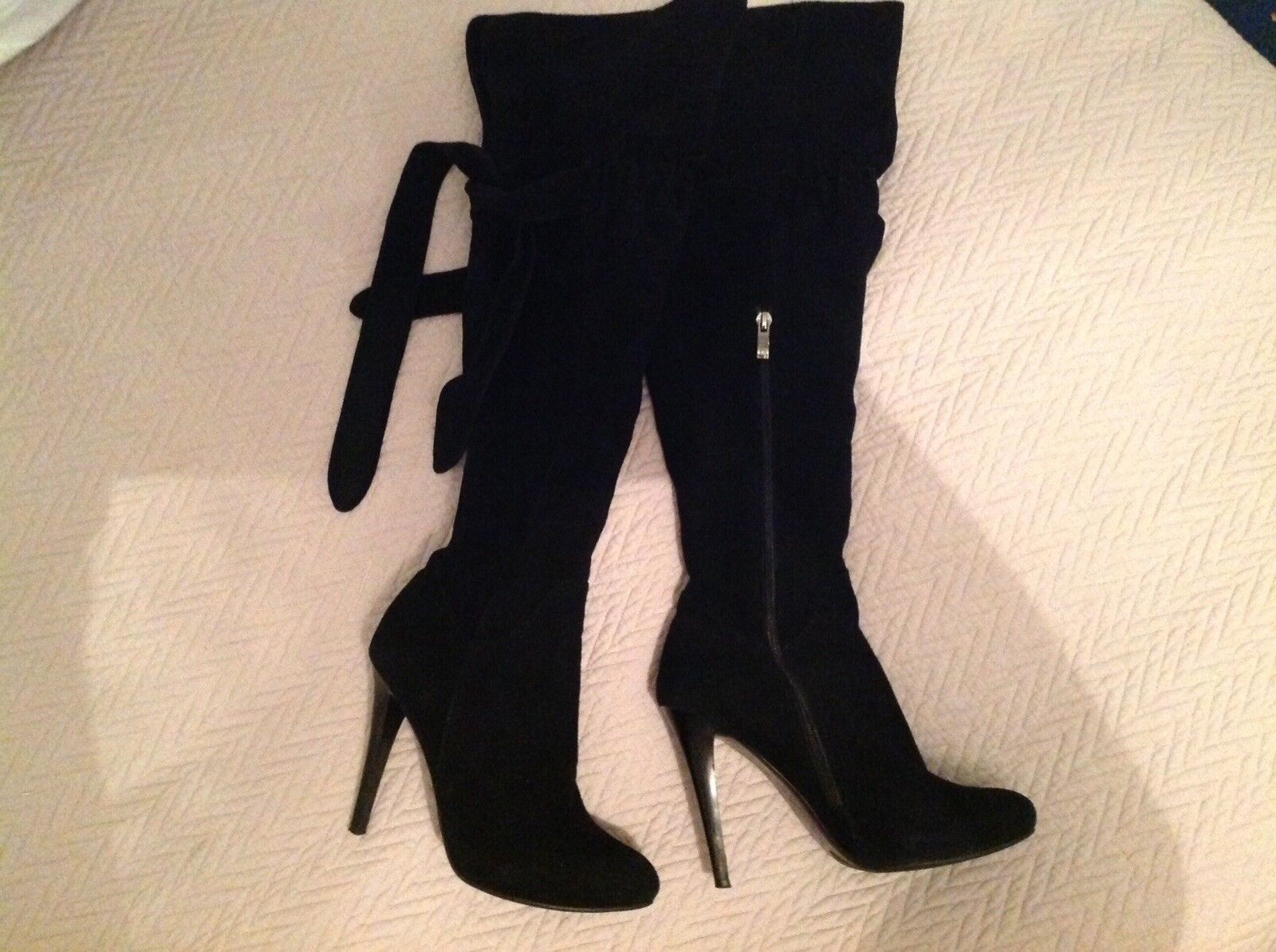 High Knees Beautiful Black 100% Suede Boots.
