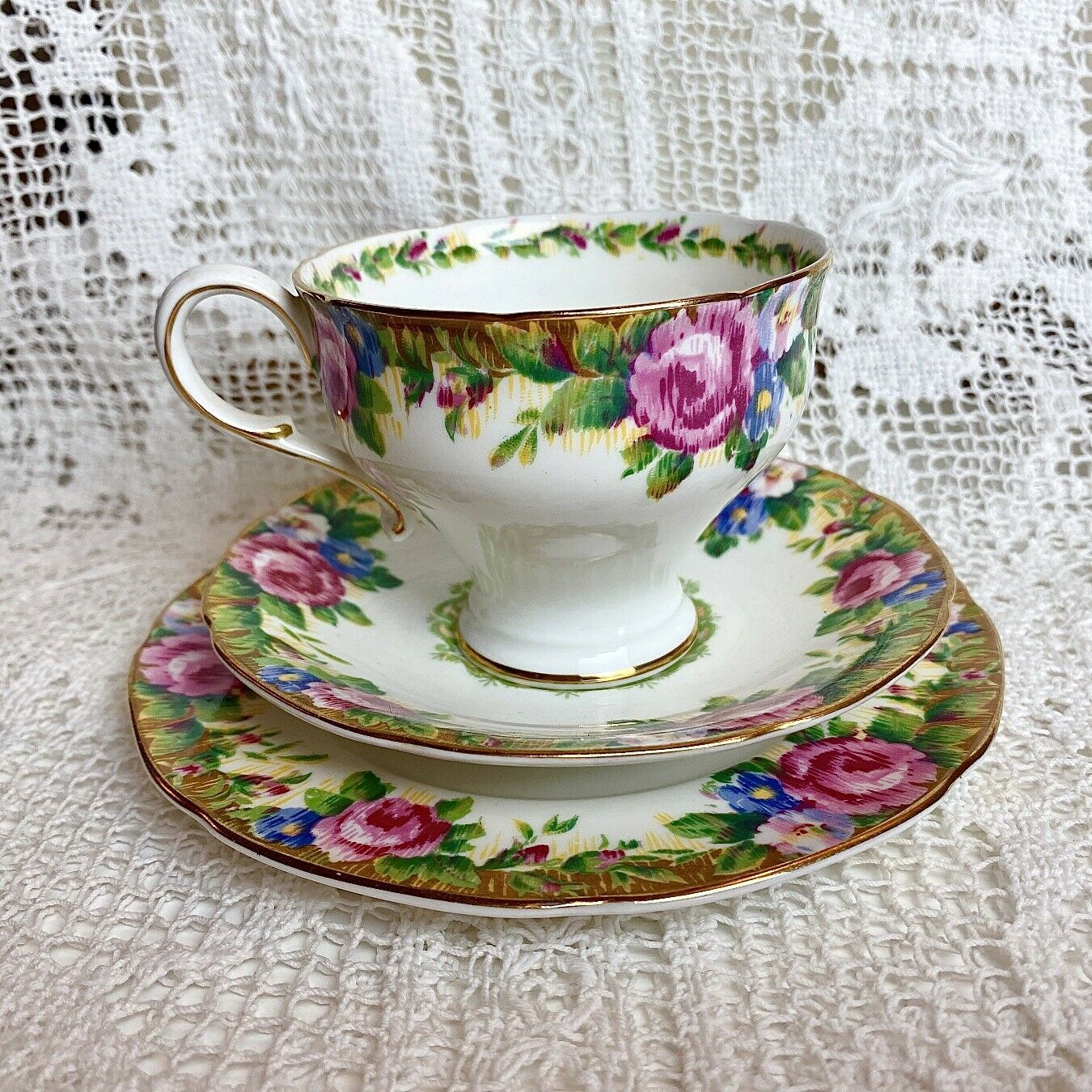 Image 1 - Vintage Paragon TAPESTRY ROSE TRIO Double Warrant Cup Saucer Plate