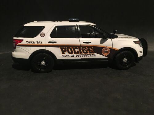 Pittsburgh Police 1:24 Scale Ford Explorer Police SUV
