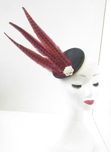 Red /& Black Pheasant Feather Fascinator Pearl Headpiece Vintage Races 1940s V43