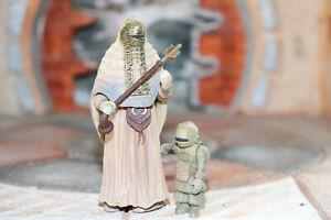 Tusken-Raider-With-Tusken-Raider-Child-Star-Wars-SAGA-2002