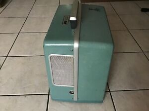 Vintage-Bell-amp-Howell-16-MM-Autoload-Movie-Projector