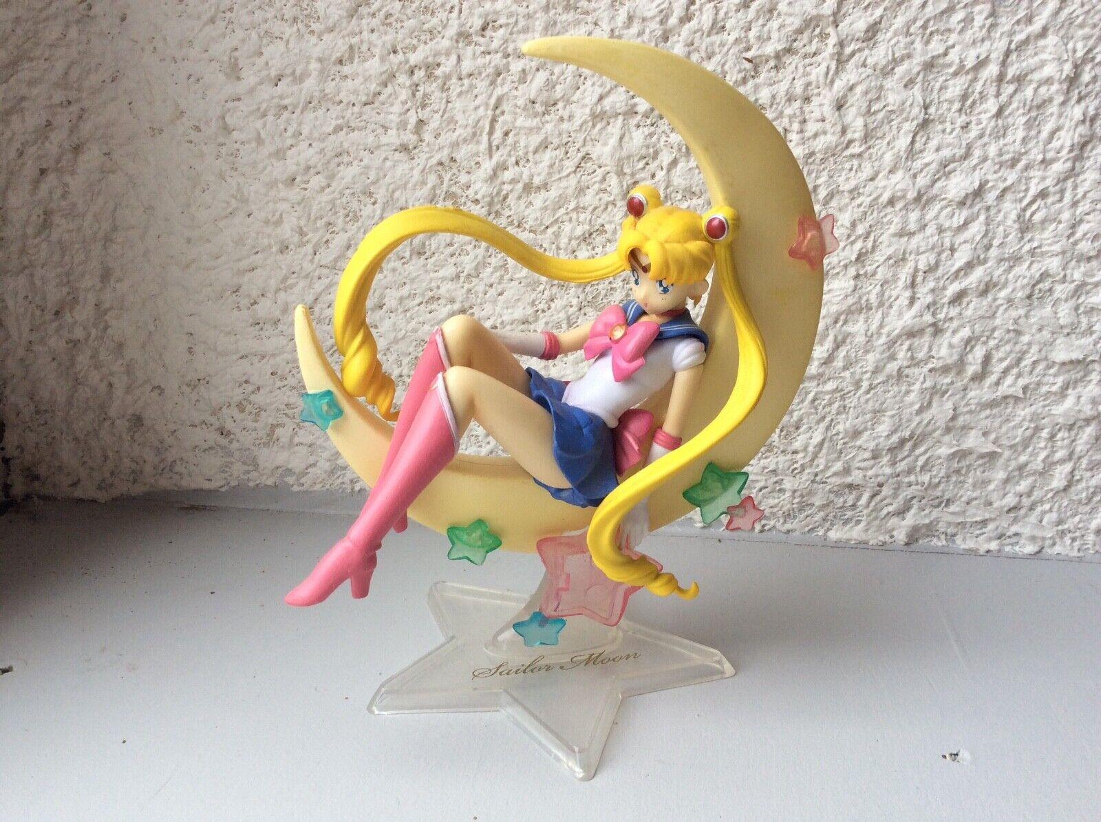 SAILOR MOON Figurine Sailor Moon sur une lune 2014 CRANEKING GOODIES EN BOITE