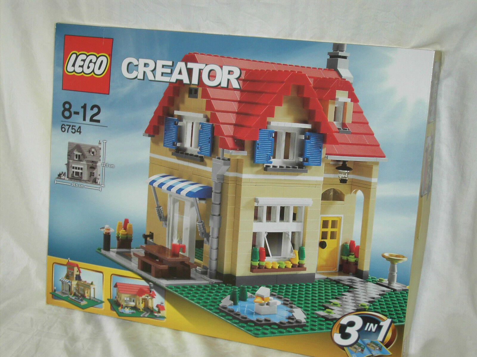 LEGO CREATOR 6754 - FAMILY HOUSE          NEW AND SEALED