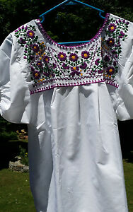 Puebla-Mexican-Blouse-Top-Shirt-White-Embroidered-Flowers-Floral-M-Medium