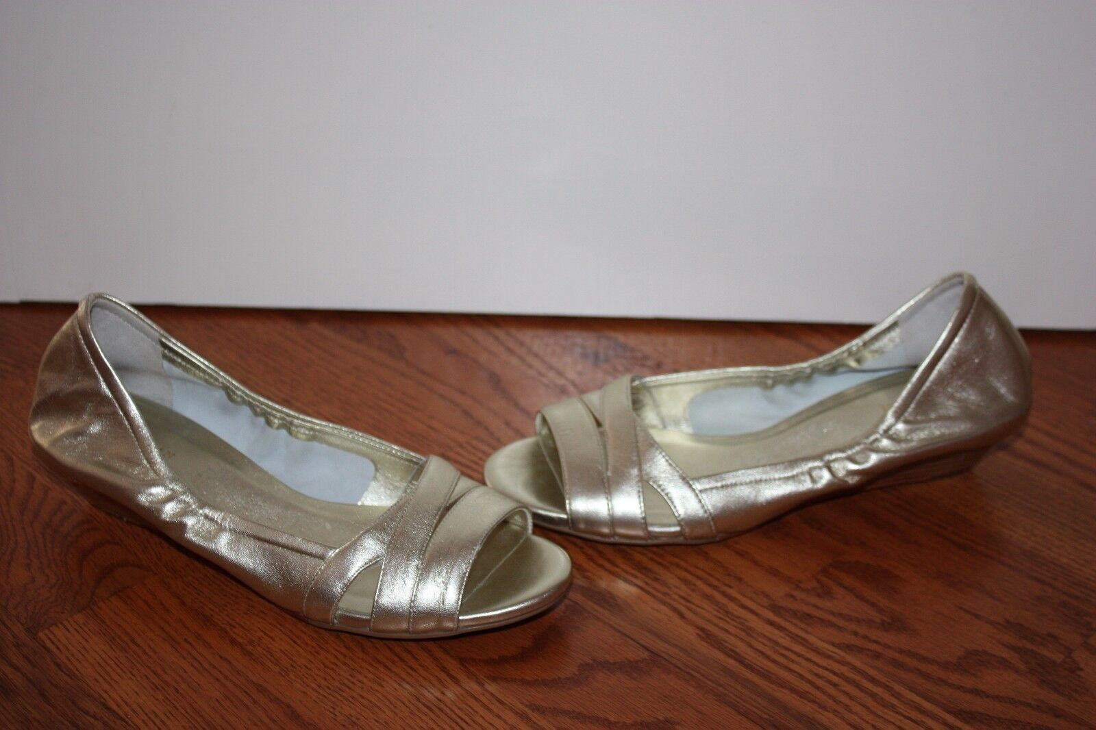 NEW Womens Cole Haan Amari gold Soft Soft Soft Leather Open-Toe Flats Size 7.5 B 10e9a6