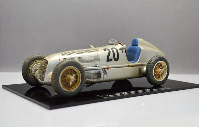 1934 Mercedes-Benz W25,  20 dirty version  Model by CMC in 1 18 Scale  CMC147