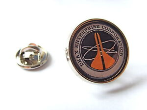 JAMES-BOND-007-DRAX-CORPORATION-LAPEL-PIN-BADGE-GIFT