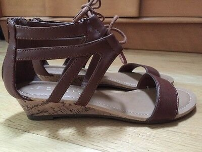 Esprit 8(M) Claire Low Wedge Sandal Brown With Laces