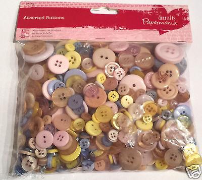 Papermania 250 gram bag assorted plastic buttons pastel colours PASTELS