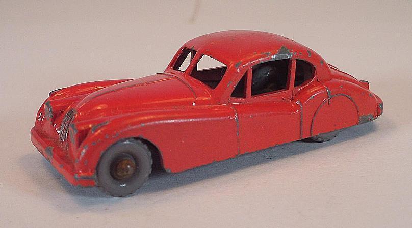 MATCHBOX REGULAR WHEELS Nº 32 A jaguar xk120 Coupé rouge GPW LESNEY  186