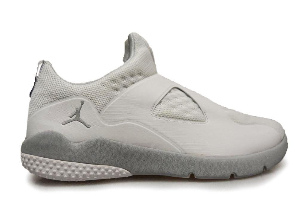 Mens Nike Air Jordan Essential - 888122 100 - WEISS Trainers